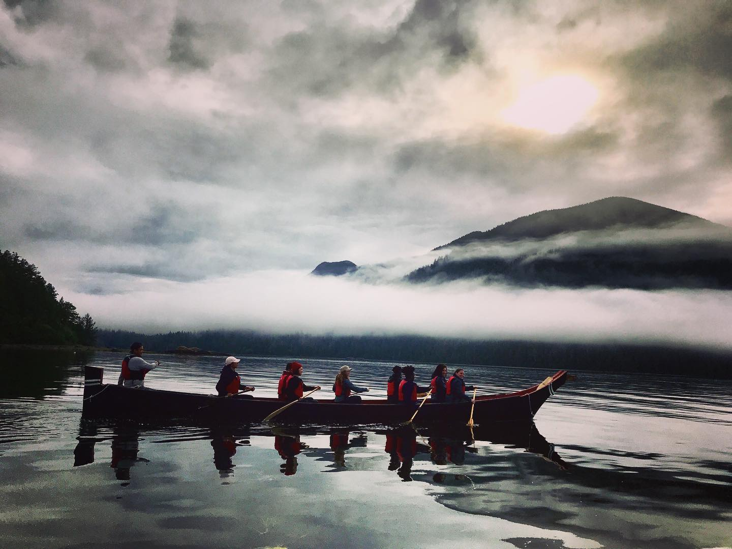 T'ashii Paddle School – Kanutouren der First Nations auf Vancouver Island